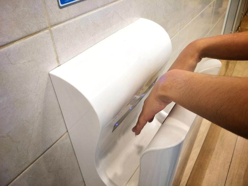 Avoid bacterial nasties with blade hand dryers for schools