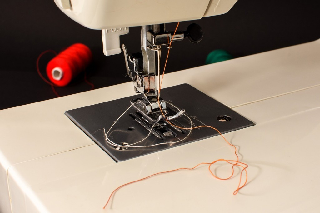 How to choose sewing machines for schools